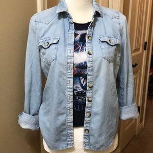 Top shop light weight denim shirt size 6